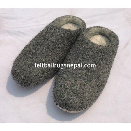 https://feltballrugsnepal.com/954-thickbox_default/natural-felt-slipper.jpg