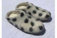 Felt white felt slipper