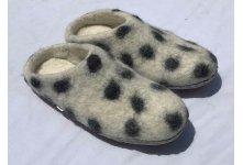 Felt white felt slipper
