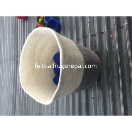 https://feltballrugsnepal.com/981-thickbox_default/handmade-felt-baskets.jpg